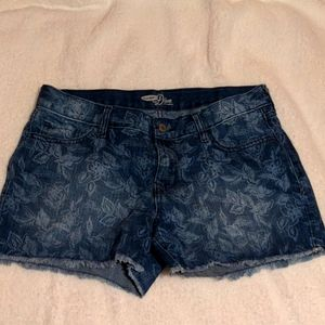 Cute old navy short shorts